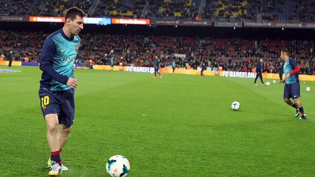Escalfament de Leo Messi abans del Barça-Almeria / FOTO: MIGUEL RUIZ - FCB
