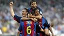 The players celebrating Xavi's goal at the Bernabéu in 2004 / PHOTO: MIGUEL RUIZ-FCB