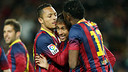 Neymar celebrates his goal against Celta with Adriano and Song. / PHOTO: MIGUEL RUIZ - FCB