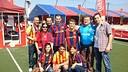 Un grup d'aficionats culers a la Zona Barça / FOTO: FCB