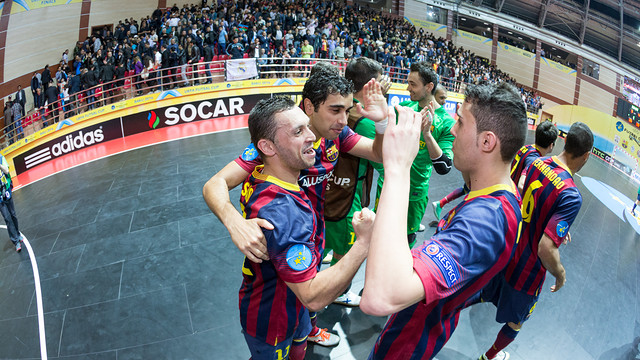 Saad and his teammates celebrate the win. PHOTO: GERMÁN PARGA - FCB