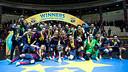 Les joueurs avec le trophée / Photo German Parga