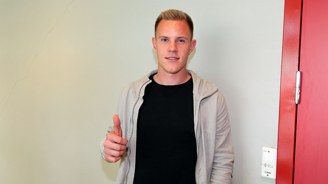 Thumbs up to the camera from Ter Stegen.