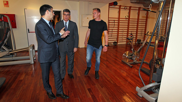 Bartomeu, Mestre and ter Stegen, at the Camp Nou / PHOTO: MIGUEL RUIZ-FCB