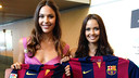 Miss Spain 2014, Elena Ibarbia (left) and Miss World, Megan Young (right), with Barça shirts / PHOTO: GERMÁN PARGA - FCB