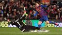 Claudio Bravo, with Real Sociedad, up against Messi / PHOTO: MIGUEL RUIZ - FCB