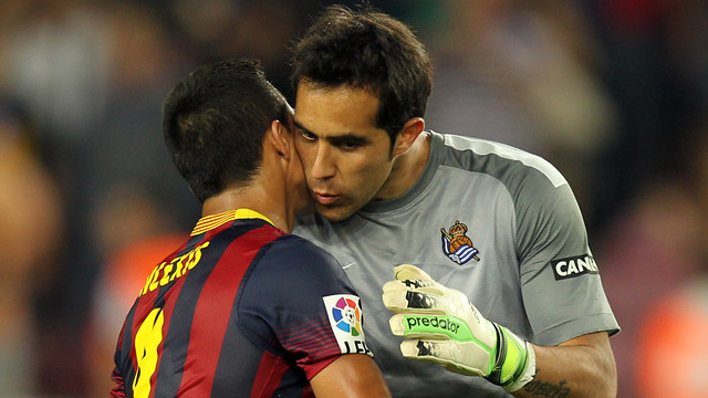 Claudio Bravo and Alexis Sánchez / PHOTO: MIGUEL RUIZ - FCB