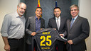 Zubizarreta, Masip, Bartomeu, and Mestre, after the signing  / PHOTO: GERMÁN PARGA-FCB