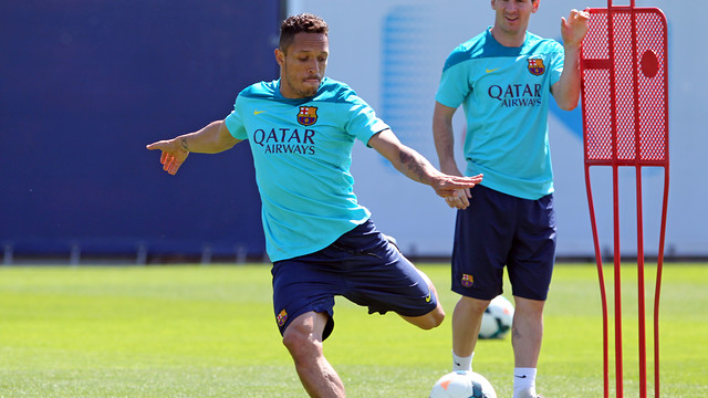 http://media1.fcbarcelona.com/media/asset_publics/resources/000/108/284/size_640x360/pic_2014-05-15_ENTRENO_52.v1405568705.JPG