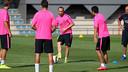 Iniesta, pendant un toro / PHOTO: MIGUEL RUIZ-FCB
