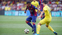Dani Alves excelled at El Madrigal on Sunday night / PHOTO: MIGUEL RUIZ - FCB