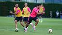 Luis Suárez et Douglas / PHOTO: MIGUEL RUIZ - FCB