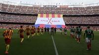 Imatge del 'tifo' desplegat al Camp Nou