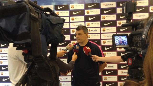 Pascual atenent els mitjans informatius. / FOTO:FCB