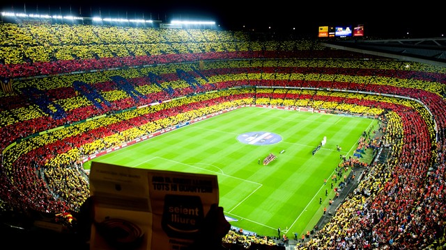 The Camp Nou public have frequently expressed their support for Catalan self-determination. PHOTO: ARXIU FCB.