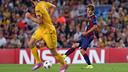 Sergi Samper, en el partido con el APOEL. FOTO. MIGUEL RUIZ - FCB
