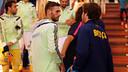 Sergi Roberto took a moment to chat with ex-Barça teammate Sergi Gómez / PHOTO: MIGUEL RUIZ - FCB