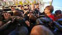 Zubizarreta, atendiendo a los medios de comunicación en el aeropuerto del Prat / FOTO: ARCHIVO FCB