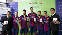 Iniesta, Suárez, Piqué, Alba i Pedro with Advan / PHOTO: Dani Aznar