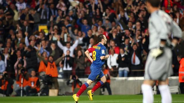 Andrés Iniesta va participar de la golejada per 4 gols a 0 durant la temporada 2008/09