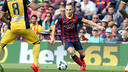Andrés Iniesta in a league match against Atlético last season / PHOTO: MIGUEL RUIZ - FCB