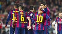 Xavi, Luis Suárez e Messi, durante o duelo contra o Córdoba
