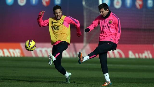 Leo Messi and Jordi Alba in a Barça training session / PHOTO: MIGUEL RUIZ - FCB