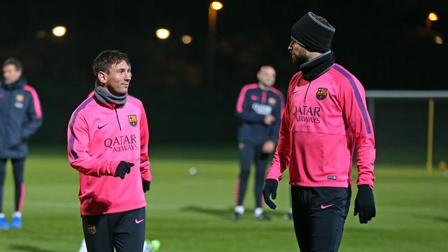 Leo Messi e Piqué, durante o treinamento desta sexta-feira
