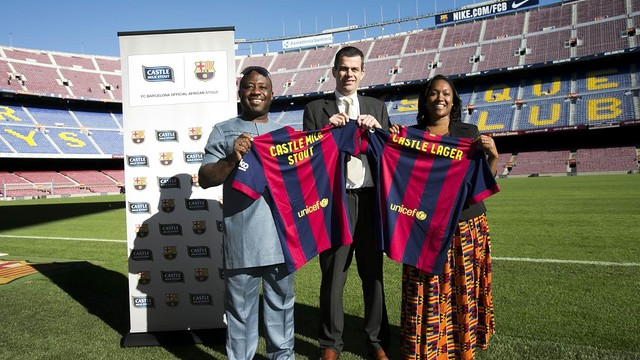 Otunba Michael Daramola, Laurent Colette of FCB and Pinkie Penelope Fouche in Camp Nou / FCB