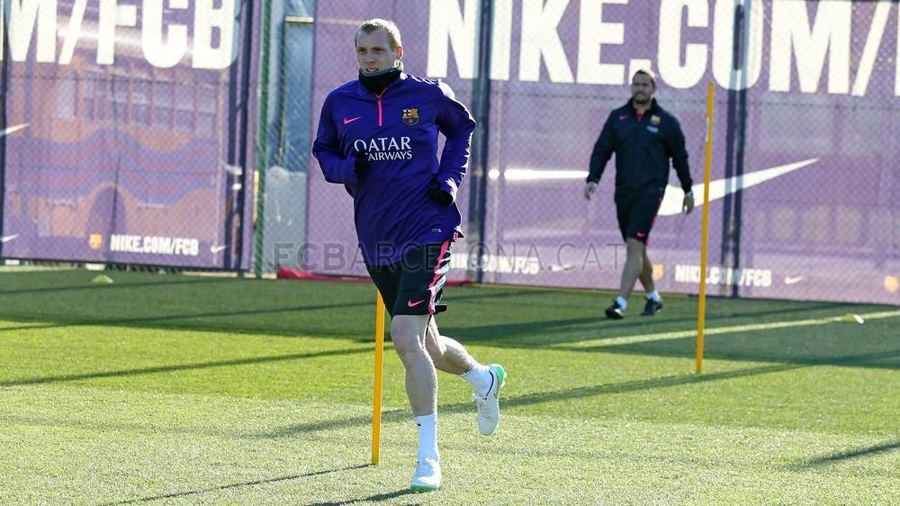 الدورة التدريبية الأخيرة لبرشلونة قبل مواجهة إلتشي Pic_2015-01-23_ENTRENO_07-Optimized.v1422013461
