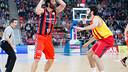 San Emeterio led Laboral as Barça fell for the sixth time in the Liga ACB / PHOTO: ACBMEDIA.NET
