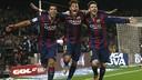 Suarez, Neymar dan Messi berangkulan di lapangan
