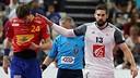 Viran Morros y Nikola Karabatic, en el partido semifinal / FOTO:Qatar Handball 2015
