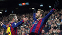 Gerard Piqué and Jordi Alba celebrate Barça's third goal of the evening. / MIGUEL RUIZ-FCB