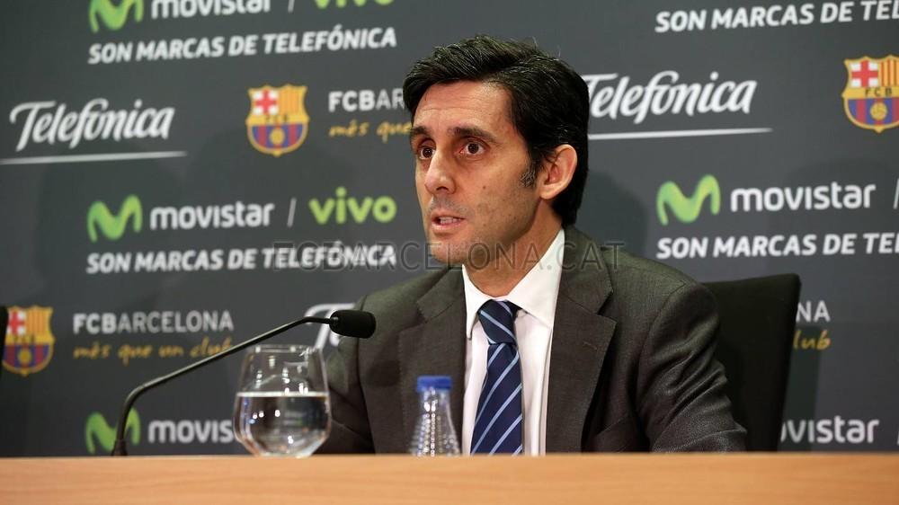 بالصور والفيديو  : لاعبو برشلونة يعلنون عن عقد بث مباريات الفريق للموسم المقبل Pic_2015-02-18_ACUERDO_TELEFONICA_20-Optimized.v1424268351