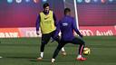 Leo Messi y Neymar, en acción durante el entrenamiento de este viernes / MIGUEL RUIZ - FCB
