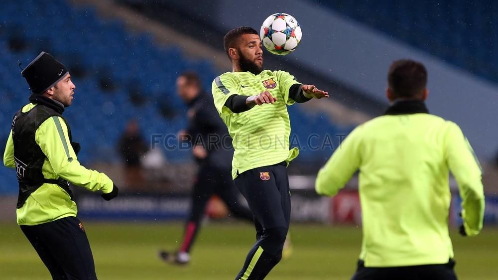 صور : أجواء رائعة في تدريبات برشلونة على ملعب الاتحاد MRG11929-Optimized.v1424722986