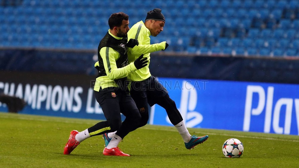 صور : أجواء رائعة في تدريبات برشلونة على ملعب الاتحاد MRG11906-Optimized.v1424722984