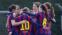 Las jugadoras del Femenino A celebran uno de los goles ante el Huelva / VÍCTOR RUIZ-FCB