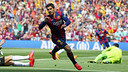 Luis Suárez celebrates his first-minute goal against Valencia at Camp Nou on Saturday 18 April 2015. / MIGUEL RUIZ-FCB