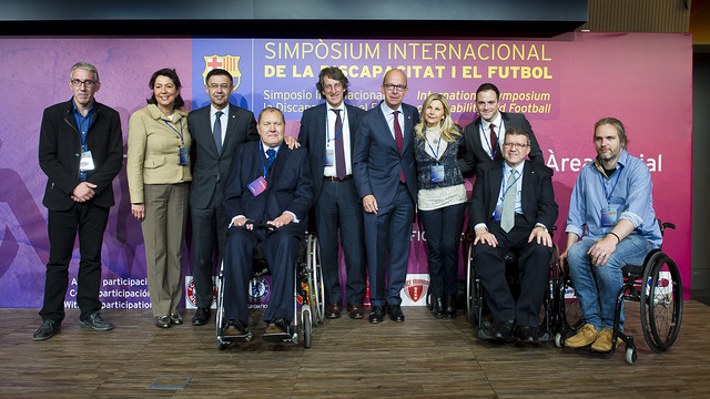 Bartomeu with Jordi Cardoner, Pilar Guinovart, Jordi Durà and representatives from the European clubs / VÍCTOR SALGADO - FCB