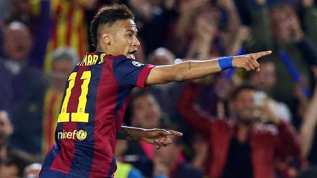 Neymar, celebrando um dos seus 37 gols na atual temporada