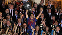Xavi, aixecant la Copa del Rei 2011/12 / ARXIU FCB