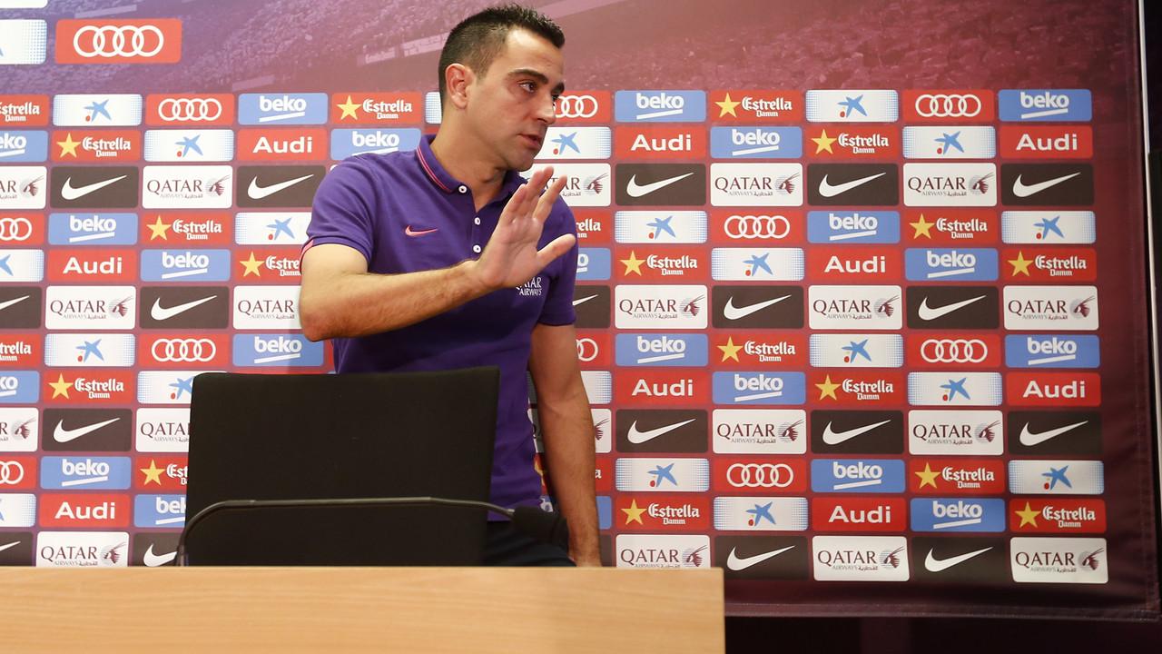 Xavi, saat mengakhiri konferensi persnya di Barça / MIGUEL RUIZ-FCB