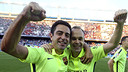 Xavi and Iniesta celebrate the league title last Sunday in the Vicente Calderón / MIGUEL RUIZ - FCB