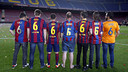 Xavi and his friends. / MIGUEL RUIZ-FCB