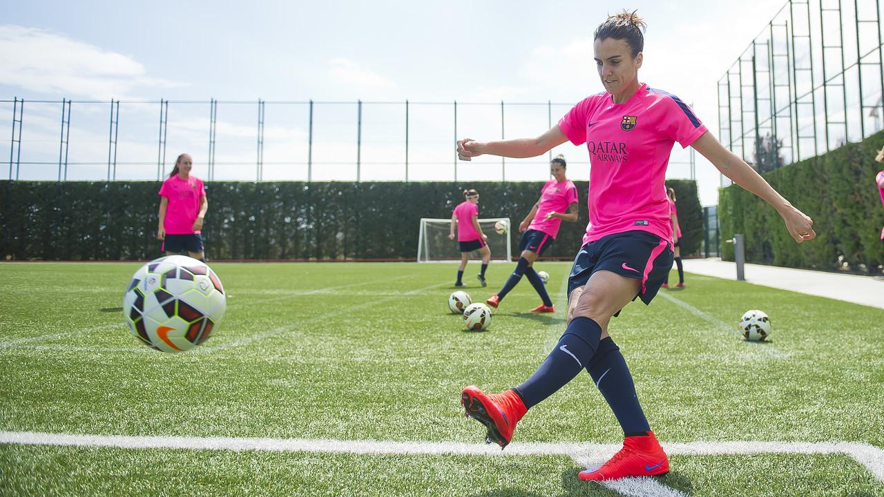 Melanie Serrano, durant la gravació del vídeo / VICTOR SALGADO - FCB