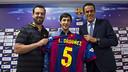Lucas Ordoñez, con la camiseta blaugrana con el dorsal '5' que lucirá / VÍCTOR SALGADO-FCB