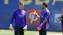 Ter Stegen and Claudio Bravo are both in Saturday's squad / MIGUEL RUIZ-FCB