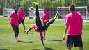 Una imatge de l'activitat del Barça B durant l'entrenament / VÍCTOR SALGADO - FCB